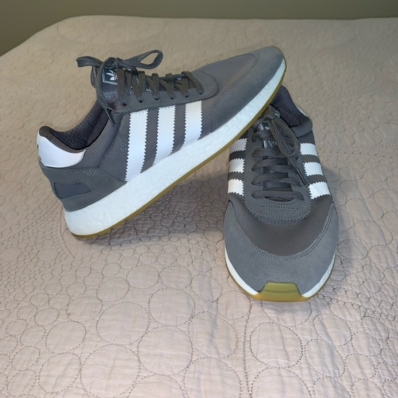 Adidas Men's Classic Sneakers Size 11